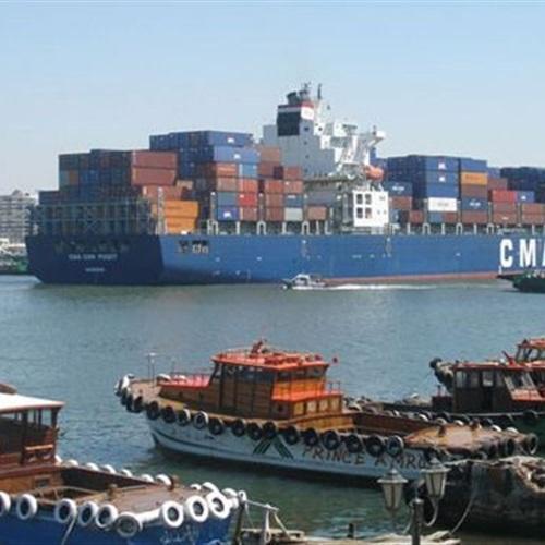 : 48 سفينة تعبر قناة السويس بحمولات مليونين و718 ألف طن