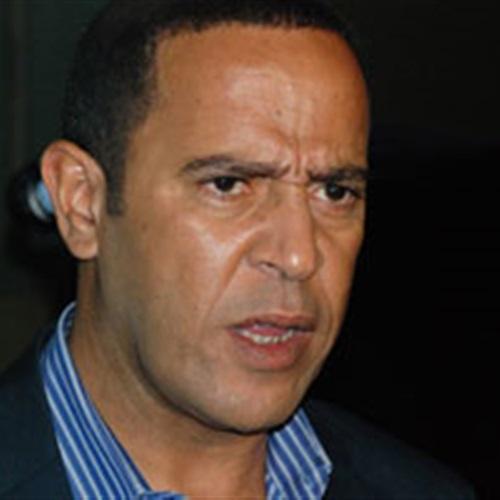 :  فريق  تياترو مصر  وقعوا في بعض.. عبد الباقي مع  mbc  ورزق مع  الحياة
