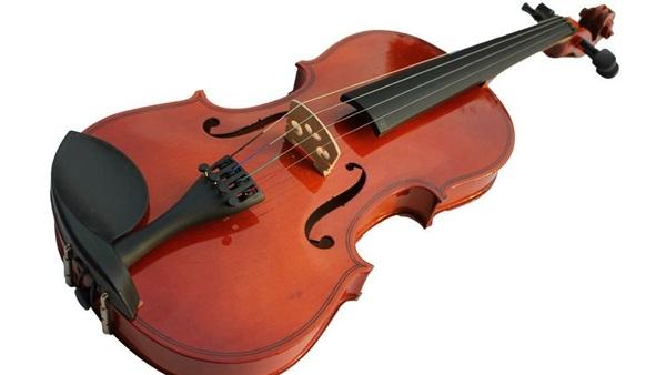تقرير عن الالة الموسيقية ''الكمان''
