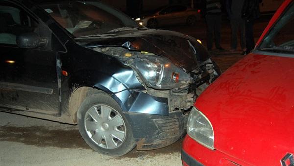إصابة 11 عاملا بالمحاجر فى حادث تصادم سيارتين بطريق المنيا الجديدة
