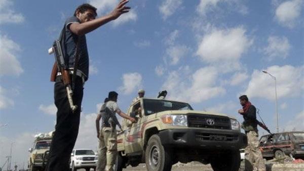 انتحارى من داعش يقتل شخصين عند نقطة تفتيش فى عدن