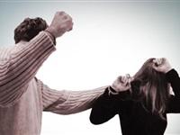 ماعت يطالب بتجريم العنف الأسري ضد المرأة
