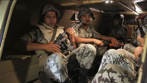 """""""الجيش"""" يصفي ويصيب 8 إرهابيين بقذائف المدفعية جنوب الشيخ زويد 125"""