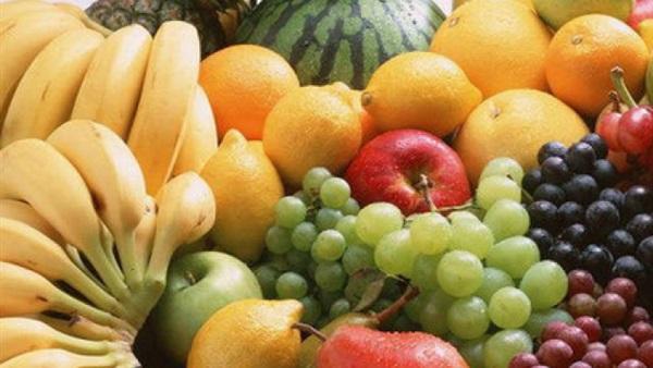 """أسعار الخضار والفاكهة بـ""""سوق العبور"""""""