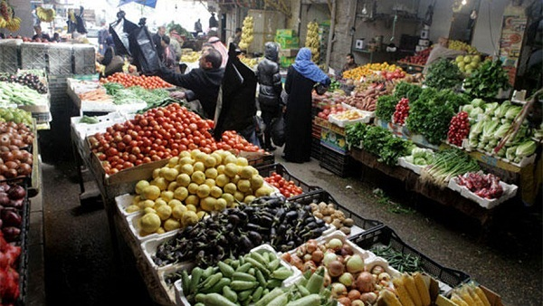 """أسعار الخضراوات والفاكهة بسوق """"العبور"""" اليوم الجمعة"""