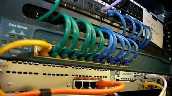 ضبط شبكة لتوزيع الإنترنت دون ترخيص بالمنيا