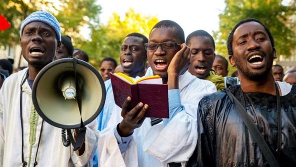 """بعد حرقهم وهم أحياء.. الصوفيون بأفريقيا يكشرون عن أنيابهم.. """"البوابة"""" تكشف اجتماعات الصوفية في نيجيريا بعد قتل المئات من أتباعهم سرًا في السودان ونيجيريا"""