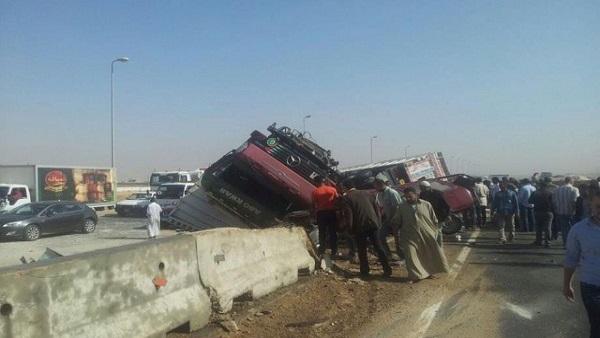 إصابة ضابط ومجند في حادث تصادم 3 سيارات أعلى الطريق الدائري