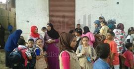 بالصور.. في أول يوم دراسي.. إضراب أولياء الأمور وتلاميذ مدرسة بالبحيرة