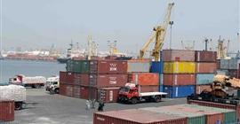 ميناء الإسكندرية يستقبل 250 ألف طن سلع استراتيجية
