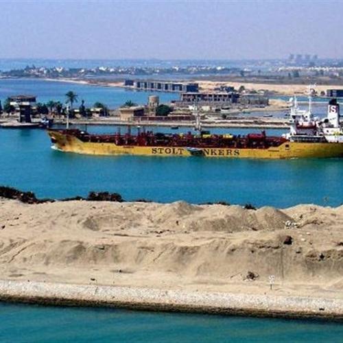 جامعة مصر للعلوم تُقرِّر علاج العاملين بمحور قناة السويس بالمجان
