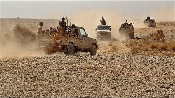 """الجيش اليمني يكبد ميليشيا الحوثي خسائر في جبهة """"القعيف"""""""