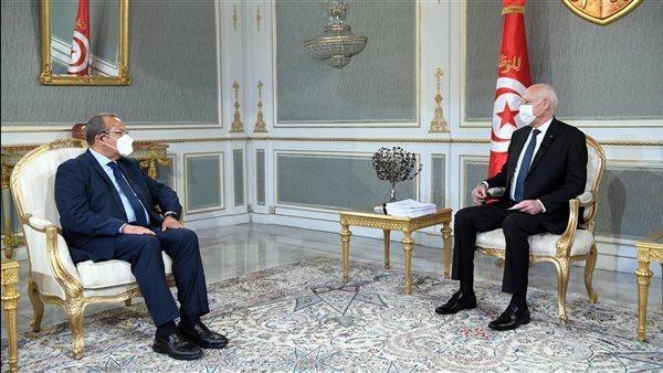 قيس سعيد: تونس تعيش أياما تاريخية.. ولابد أن يتحد الشعب