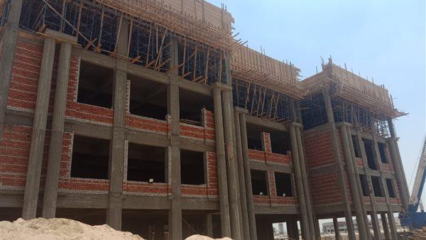 الجيزاوي يتلقى تقريرا عن أعمال إنشاء جامعة بنها الأهلية بالعبور