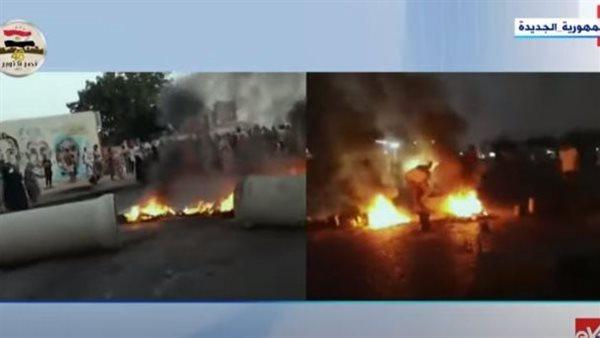بالفيديو.. مواطنون يشعلون الحرائق في شوارع السودان