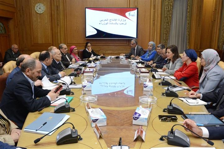 6 وزراء يناقشون الملامح النهائية لمنظومة تدوير المخلفات