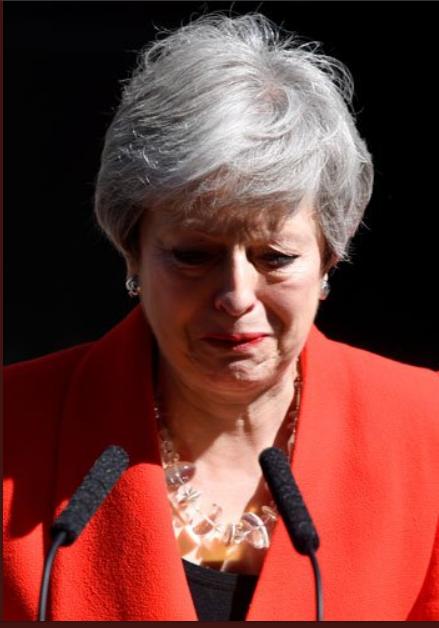 شاهد.. دموع تيريزا ماي أثناء إعلان استقالتها من الحكومة البريطانية