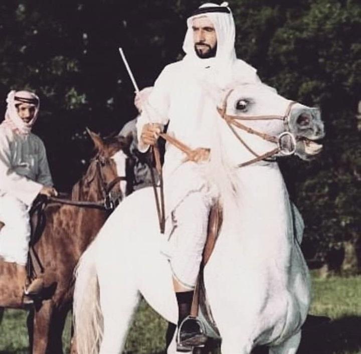 في ذكرى وفاته.. صور نادرة للشيخ زايد