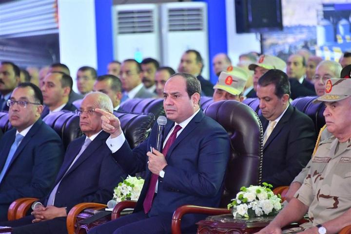 بالصور.. السيسي يفتتح عددًا من المشروعات التنموية بالسويس وجنوب سيناء