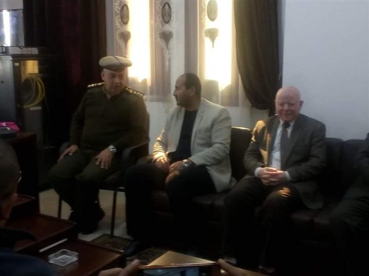 بالصور.. رئيس مدينة بلبيس يهنئ قيادات وضباط الداخلية بعيد الشرطة