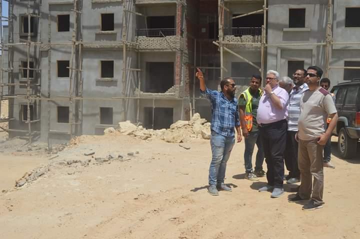 البوابة نيوز: مدير الإسكان يتابعة مشروع وحدات الإعلان العاشر بالغردقة