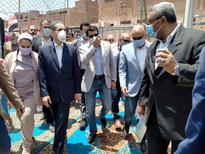 بالصور.. وزير الرياضة يفتتح ملعب مركز شباب سمنود