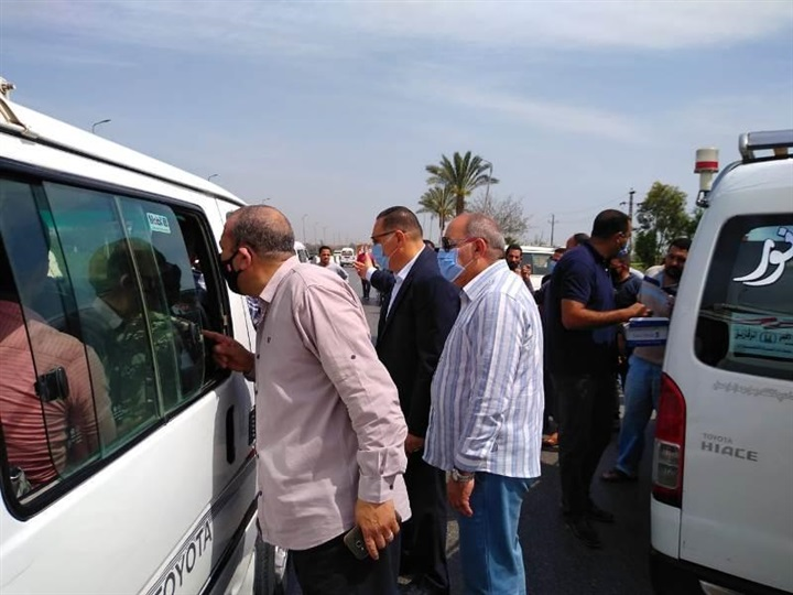 محافظ الشرقية يترأس حملة لضبط السائقين المخالفين لارتداء الكمامات