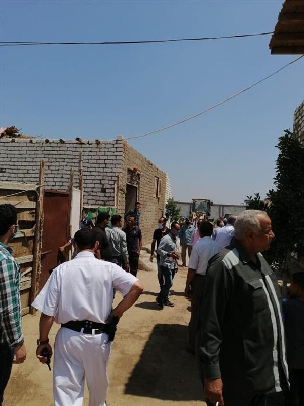 إزالة 19 حالة تعد بالبناء العشوائي والمخالف للقانون في المنيا