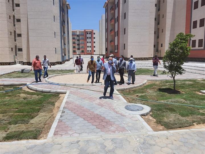البوابة نيوز: مساعد نائب رئيس المجتمعات العمرانية يتفقد مشروع إسكان العاشر  من رمضان