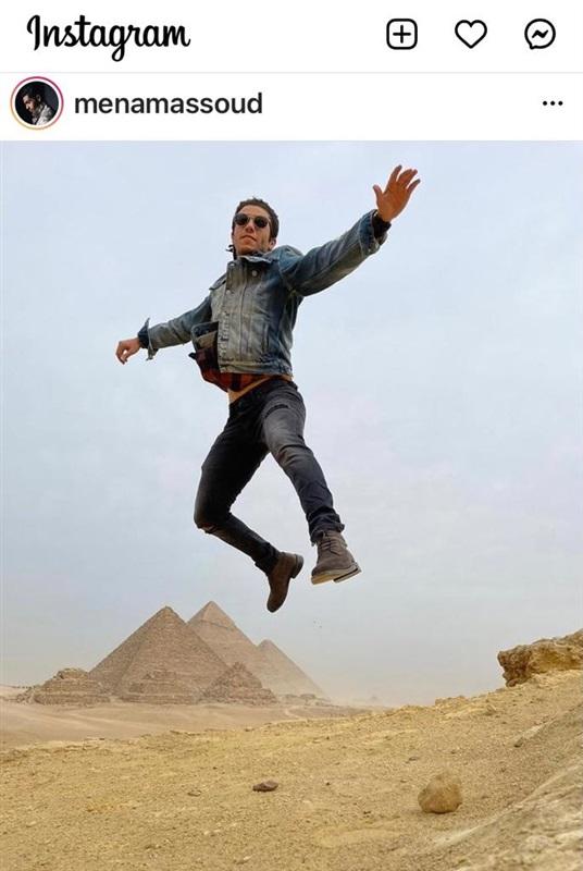 مينا مسعود يروج للسياحة المصرية من الاهرامات