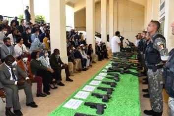 أكاديمية الشرطة تستقبل المشاركين بمنحة ناصر للقيادة الدولية