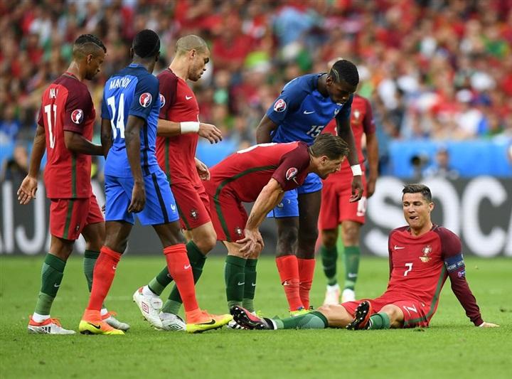 بالفيديو والصور.. البرتغال يهزم فرنسا ويتوج بكأس أمم أوروبا