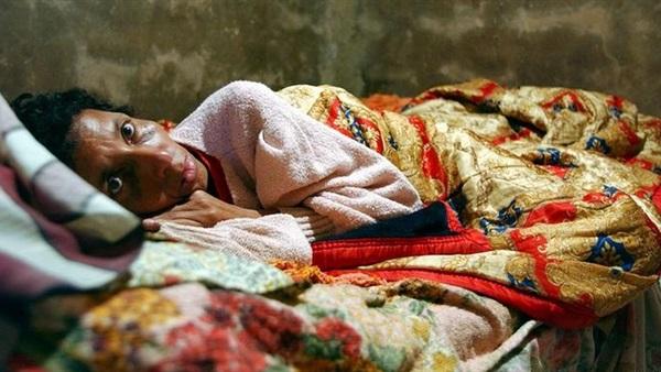 البوابة نيوز تفاصيل إصابة 3 أشخاص بفيروس الإيدز في كفر الشيخ إحدى الحالات تم اكتشافها خلال إجراء تحليل روتيني والرعب يسيطر على الطواقم الطبية بقسمي الكلى والباطنة