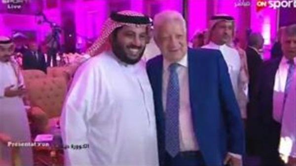البوابة نيوز صورة مرتضى منصور يلتقي تركي آل الشيخ في السعودية