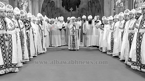 275b60b7689b6 البوابة نيوز  ملابس الكهنة والمعمودية في الكنيسة الأرثوذكسية