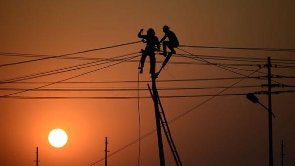: غدا.. انقطاع الكهرباء عن 8 قرى بمغاغة لمدة 5 ساعات