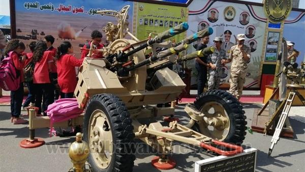 : بالصور.. طلاب ذوي الاحتياجات الخاصة بالقاهرة يشاركون في احتفالات نصر أكتوبر
