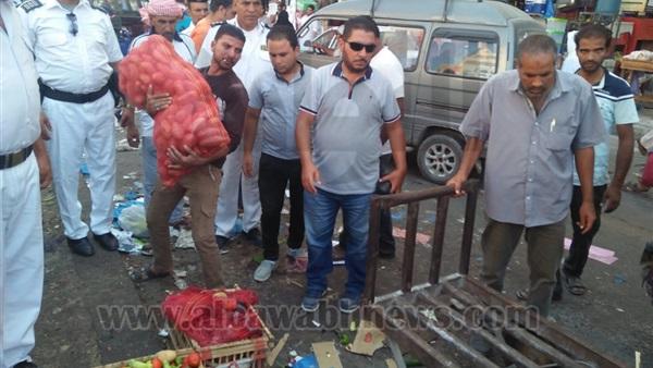 البوابة نيوز: إزالة إشغالات الباعة الجائلين بشارع ليبيا في مطروح