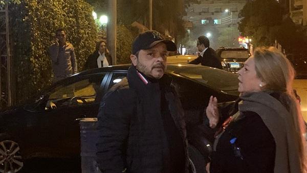 : بالصور.. وصول محمد هنيدي وهاني رمزي عزاء سمير سيف