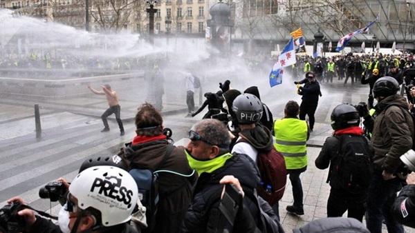 البوابة نيوز: انقطاع الكهرباء عن أكبر سوق أغذية في العالم بفرنسا