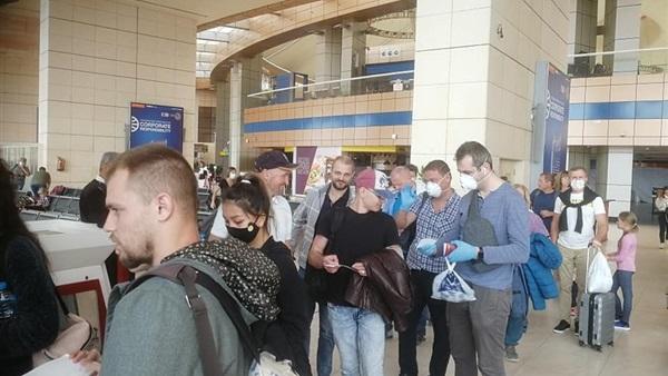 :  إجلاء مواطني أوروبا الشرقية من مطار شرم الشيخ