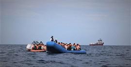 مالطا تنقذ 140 مهاجرًا وتبقيهم على متن سفينة سياحية خارج المياه الإقليمية