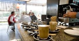 المغرب: عودة المقاهي والمطاعم للعمل بالطلبات المحمولة وخدمات التوصيل