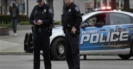 توجيه تهمة القتل للشرطي الذي وضع قدمه على رقبة مواطن أمريكي بولاية مينيسوتا