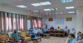 رئيس مركز إبشواي يجتمع برؤساء القرى لبحث أعمال قانون التصالح