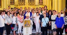 """""""أخوية الأمهات المسيحيات"""" يحتفلن بعيدهن في كاتدرائية البطريركية اللاتينية بالقدس"""
