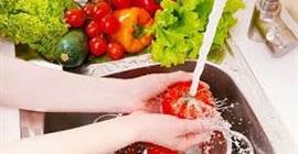 احذر غسل الأطعمة بالماء قبل الطهي