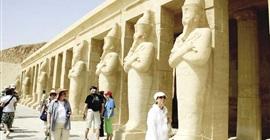 """السياحة تكشف تفاصيل مبادرة """"شتي في مصر"""""""