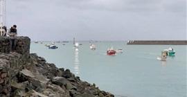القوارب الفرنسية تغادر جزيرة جيرزي البريطانية بعد الخلافات بينهما