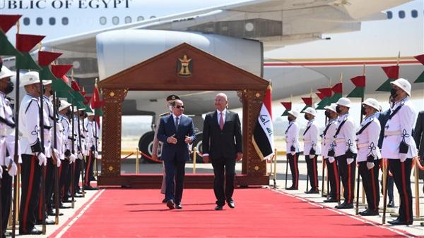 مراسم استقبال رسمية للرئيس السيسي في القصر الحكومي ببغداد